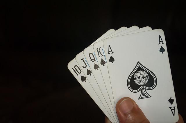 Cara Menentukan Pemenang Dalam Judi Poker Online